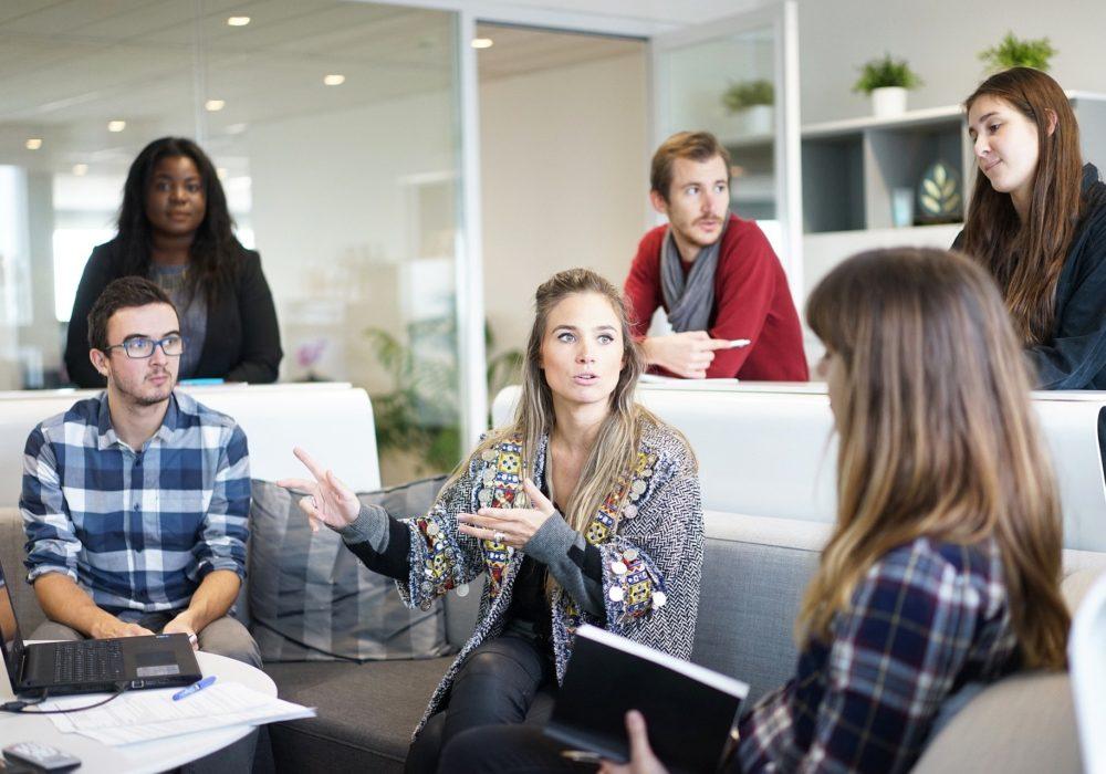 де искать работу в IT сфере новичкам и не только